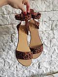 Женские кожаные босоножки сандалии на низком ходу (рыжий леопард), фото 4
