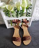 Женские кожаные босоножки сандалии на низком ходу (рыжий леопард), фото 8