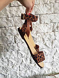Женские кожаные босоножки сандалии на низком ходу (рыжий леопард), фото 6
