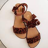 Женские кожаные босоножки сандалии на низком ходу (рыжий леопард), фото 2