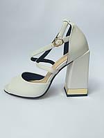 Женские босоножки кожаные на толстом устойчивом каблуке