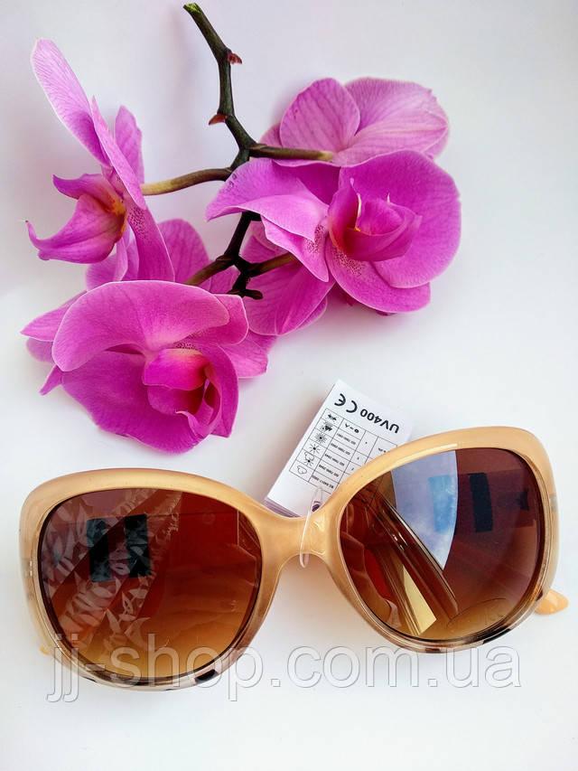 Солнцезащитные женские очки бежевые