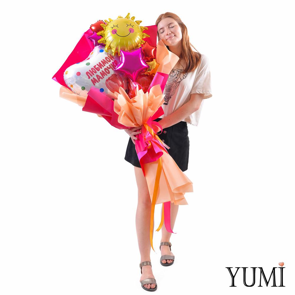 Букет: Сердце Любимой мамочке тюльпан, Солнышко, мини роза, разноцветные мини звезды и сердца