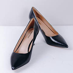 Особености выбора туфель к вечернему и выпускному платью