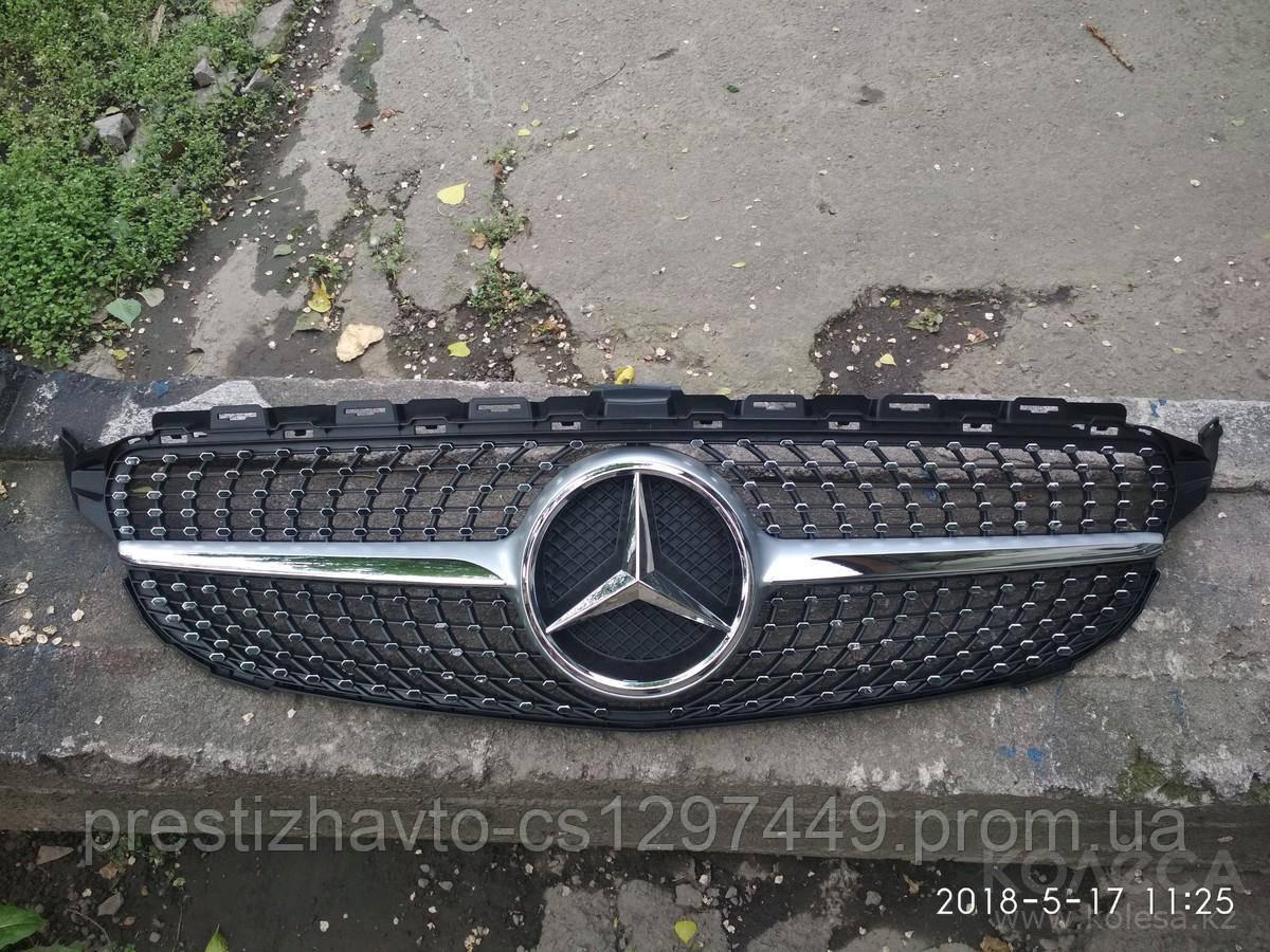 Решетка радиатора Mercedes C-Class W205 Diamond Style Silver