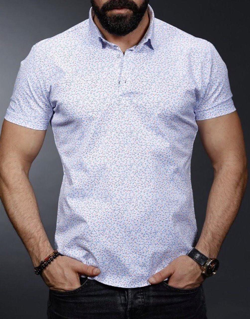 Светлая мужская рубашка
