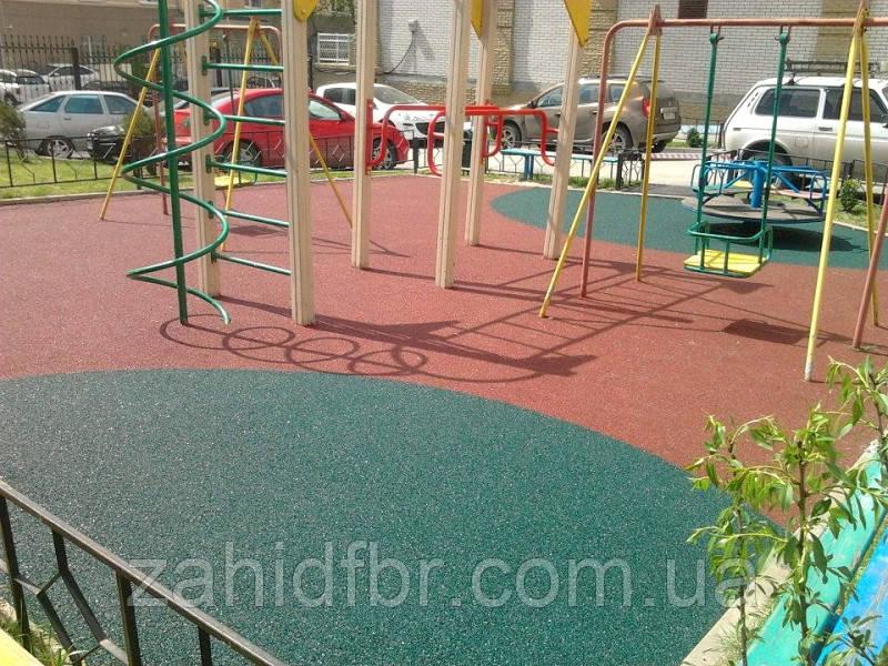 Бесшовное покрытие из резиновой крошки для детских площадок
