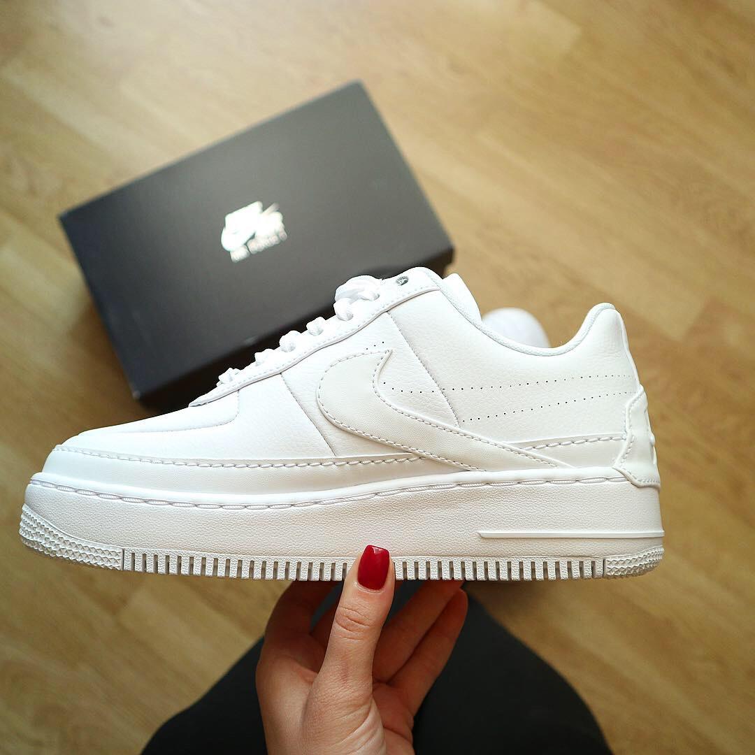 Кроссовки оригинал Nike W Air Force 1 Jester XX White