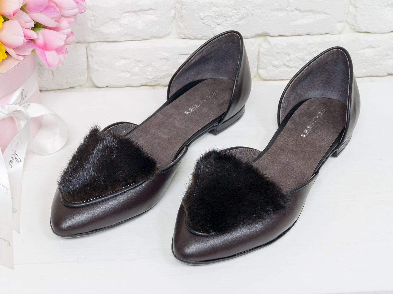 Эксклюзивные туфли-лодочки с удлиненным носиком на низком ходу из натуральной кожи шоколадного цвета
