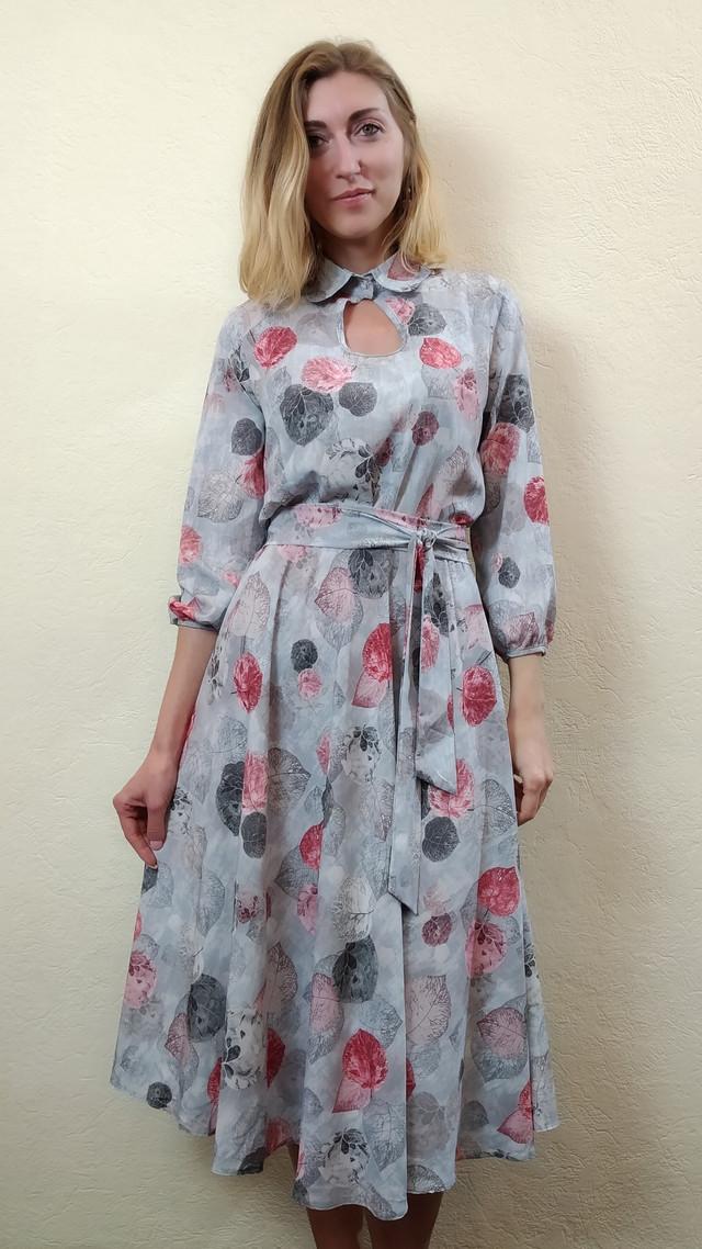 Платье женское с юбкой миди полуклеш в листьях П258