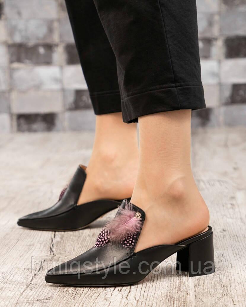 Жіночі чорні мюли з пером, натур.шкіра