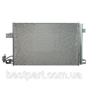 Радіатор кондиціонера VW T5