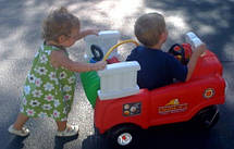 Машинка каталка самоходная Пожарная Little Tikes 616129, фото 3