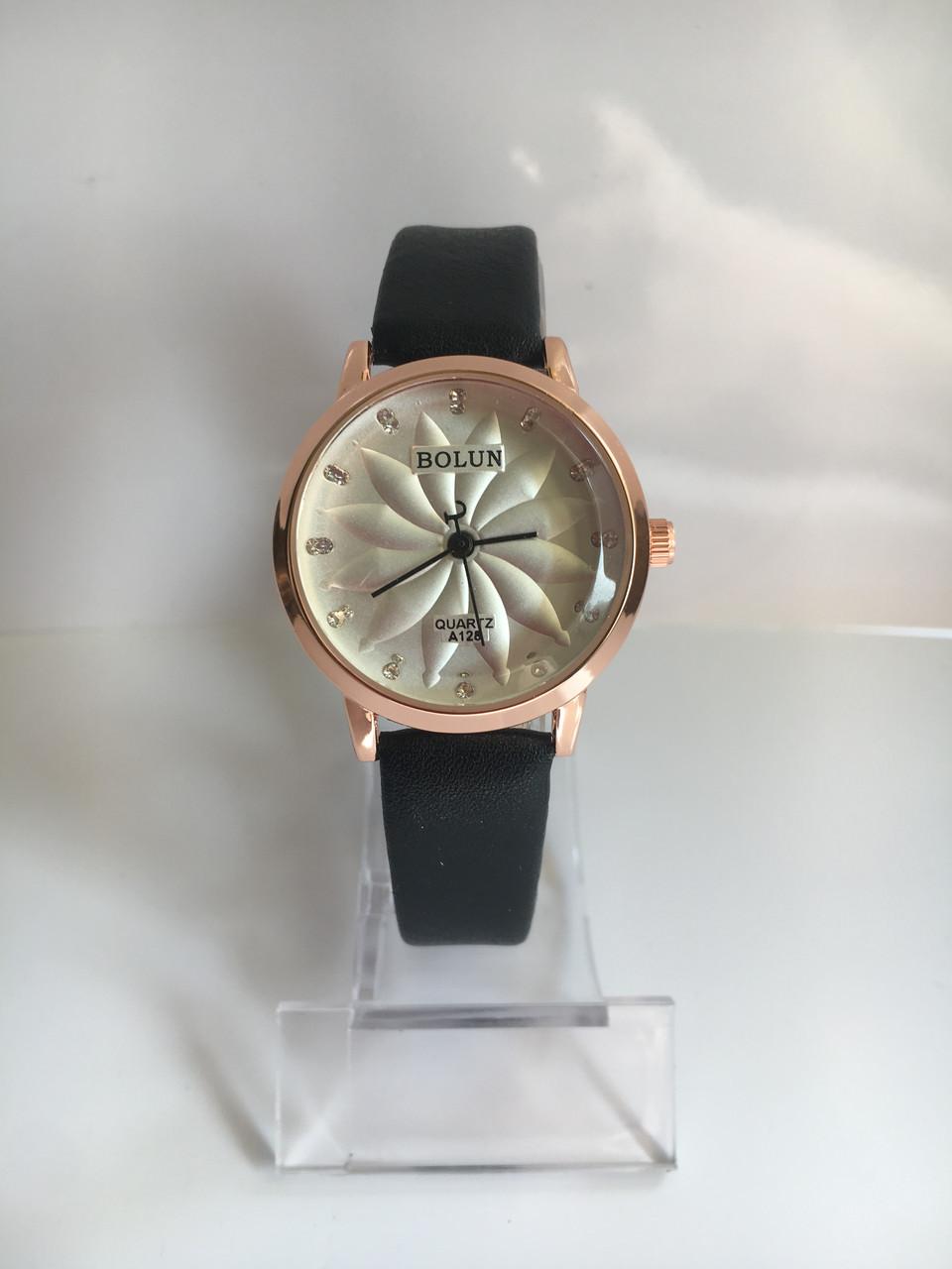 Женские наручные часы Bolun (Болун), черно-белый цвет ( код: IBW213BO )