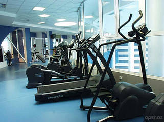 Профессиональные тренажеры, спортивное оборудование, фитнес аксессуары для спортивных залов W