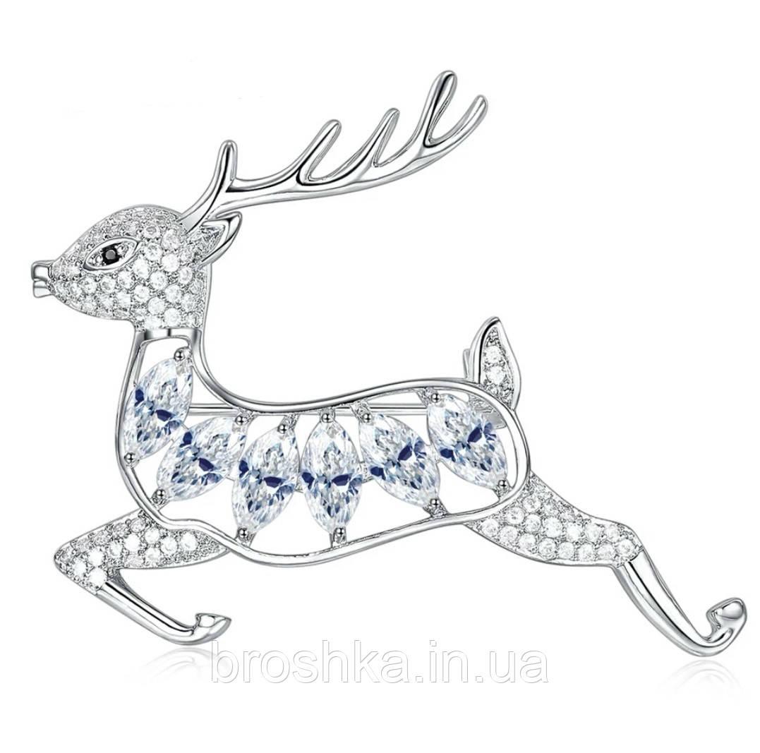 Брошь олень с белыми камнями ювелирная бижутерия