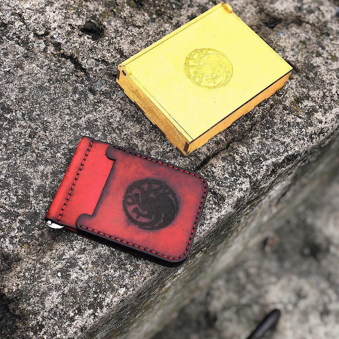 Кожаный кошелек - держатель ручной работы