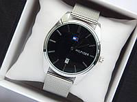 Кварцевые наручные часы Tommy Hilfiger серебристого цвета с черным циферблатом, с датой, фото 1