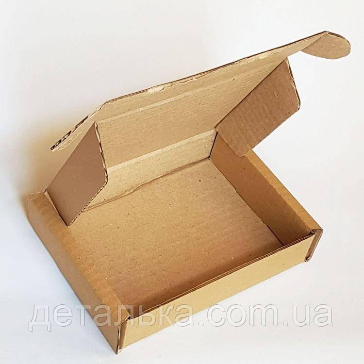 Самосборные картонные коробки 215*185*35 мм.