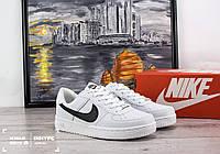 Мужские кожаные кроссовки Nike Air Force Low (Найк Эйр Форс Лоу) - белые, подростковые, с черным логотипом