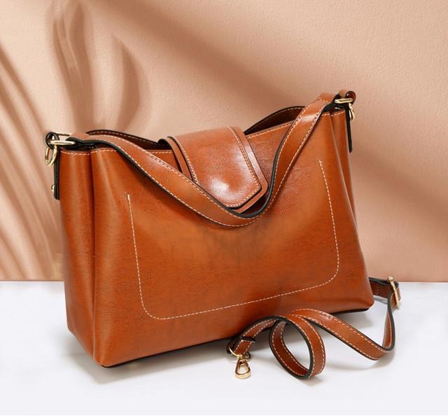 Стильная женская сумка небольшая L-16427
