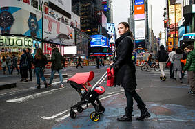 lifestyle Doona Infant Car Seat.jpg