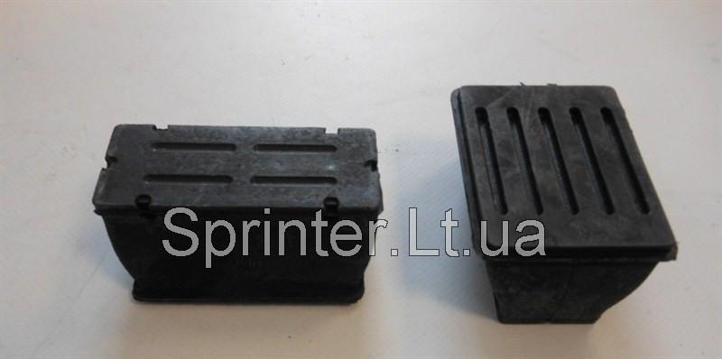 Подушка передней рессоры (пластик) MB Sprinter 96-  верхняя Mercedes 9013222619