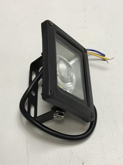 Светодиодный прожектор синий с линзой 10W 12-24В IP65 Код.59311