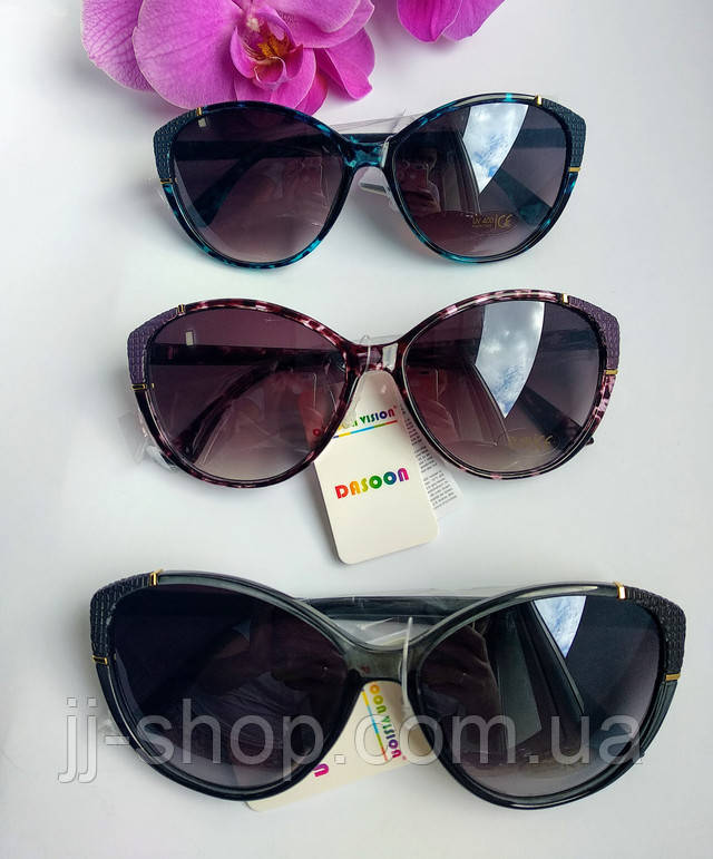 классические солнцезащитные женские очки