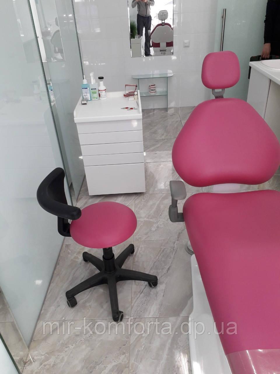 Перетяжка меблів в стомат кабінет Дніпро