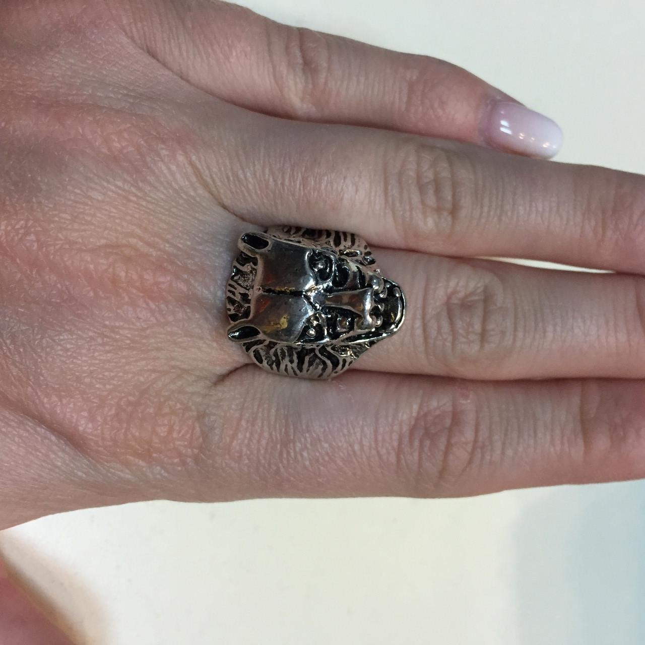 Волк кольцо с волком 17,5-18 размер из тибетского серебра