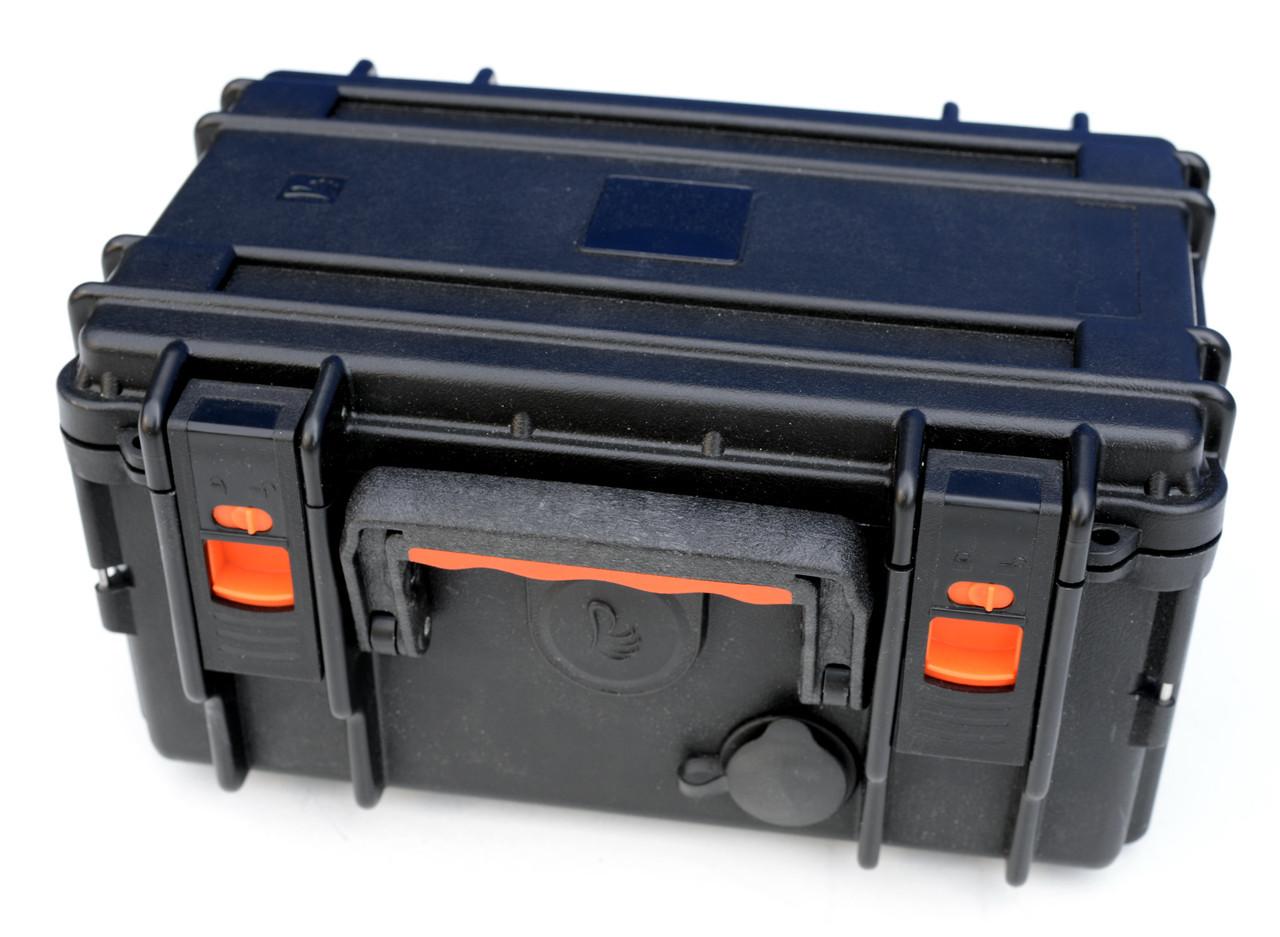 Ящик для эхолота с прикуривателем