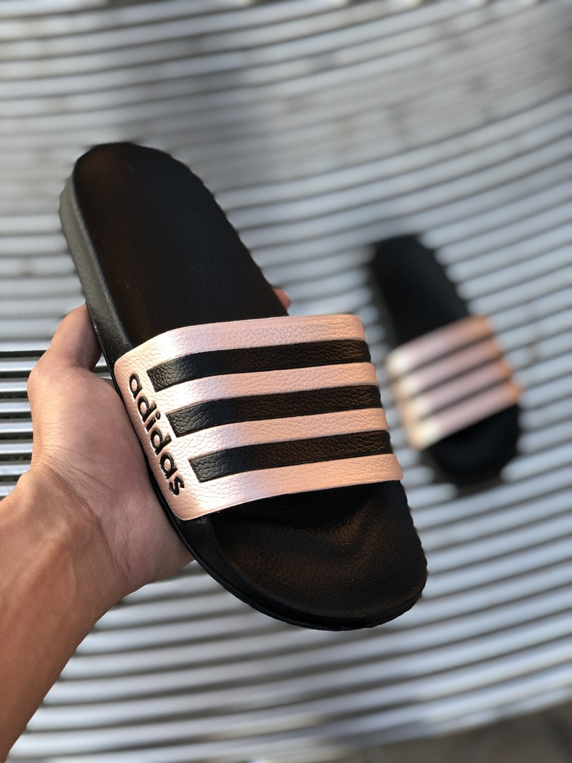 Сланцы. Шлёпанцы женские Adidas (шльопанці). ТОП КАЧЕСТВО !!! Реплика класса люкс