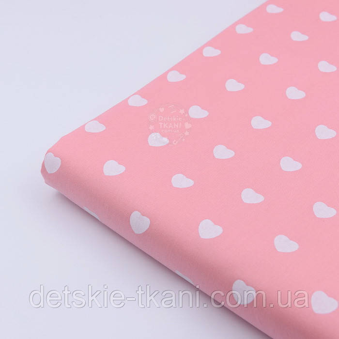 """Лоскут сатина """"Одинаковые сердечка"""" белые на тёмно-розовом № 2152с"""