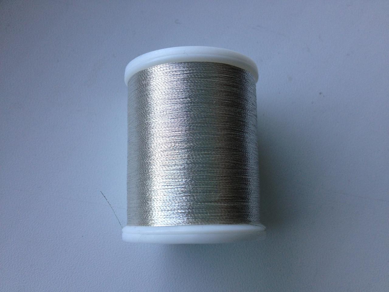 Нитки для машинной вышивки   Madeira Metallic  №40.  цвет 4010 ( СЕРЕБРО ).  1000 м