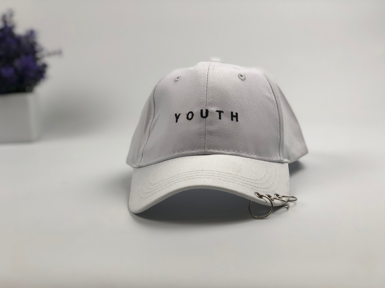 Кепка бейсболка Youth (белая) с кольцами