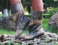 Коричневые женские весенние стильные женские сапожки из эко кожи под рептилию с открытым носком. Арт-0196, фото 1
