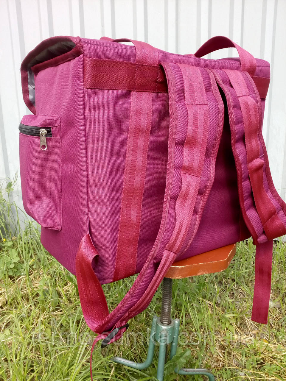 Термосумка - рюкзак Dolphin середніх розмірів для кур'єрської доставки їжі, обідів, напоїв. На липучках.