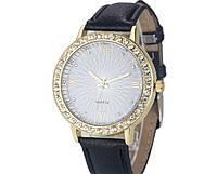 Наручные женские часы с черным ремешком код 202
