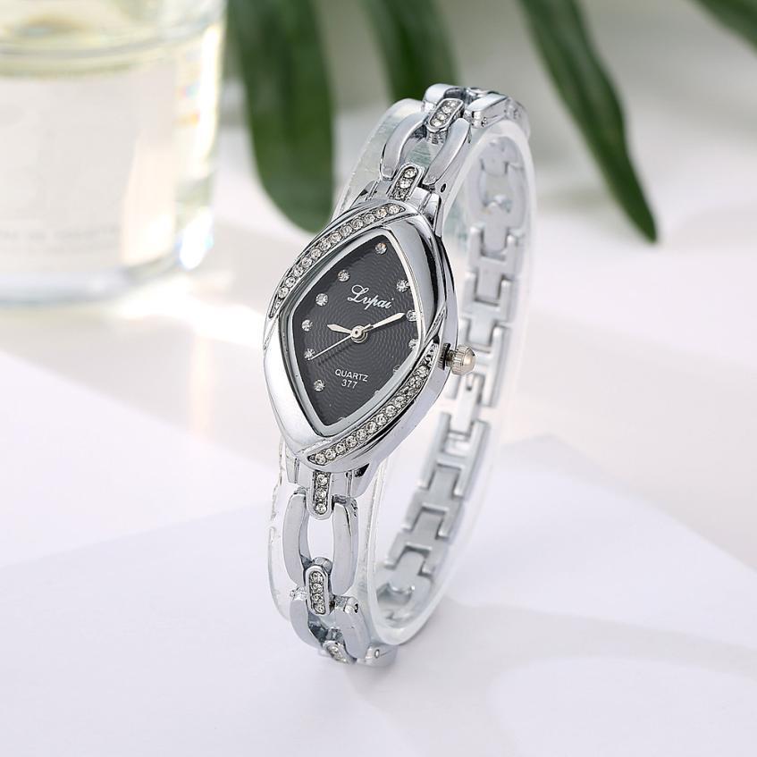 Наручные часы женские с серебристым ремешком и кристаллами код 328