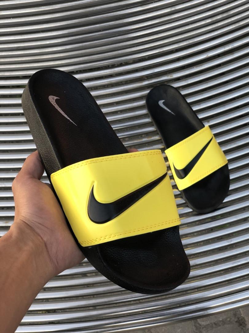 Мужские сланцы в стиле Nike (black/yellow), сланцы Найк, шлепанцы Найк, Тапочки найк (Реплика ААА)