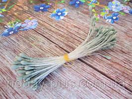 Тычинки мелкие, матовые, цвет светлой хвои, 50 нитей, 100 головок