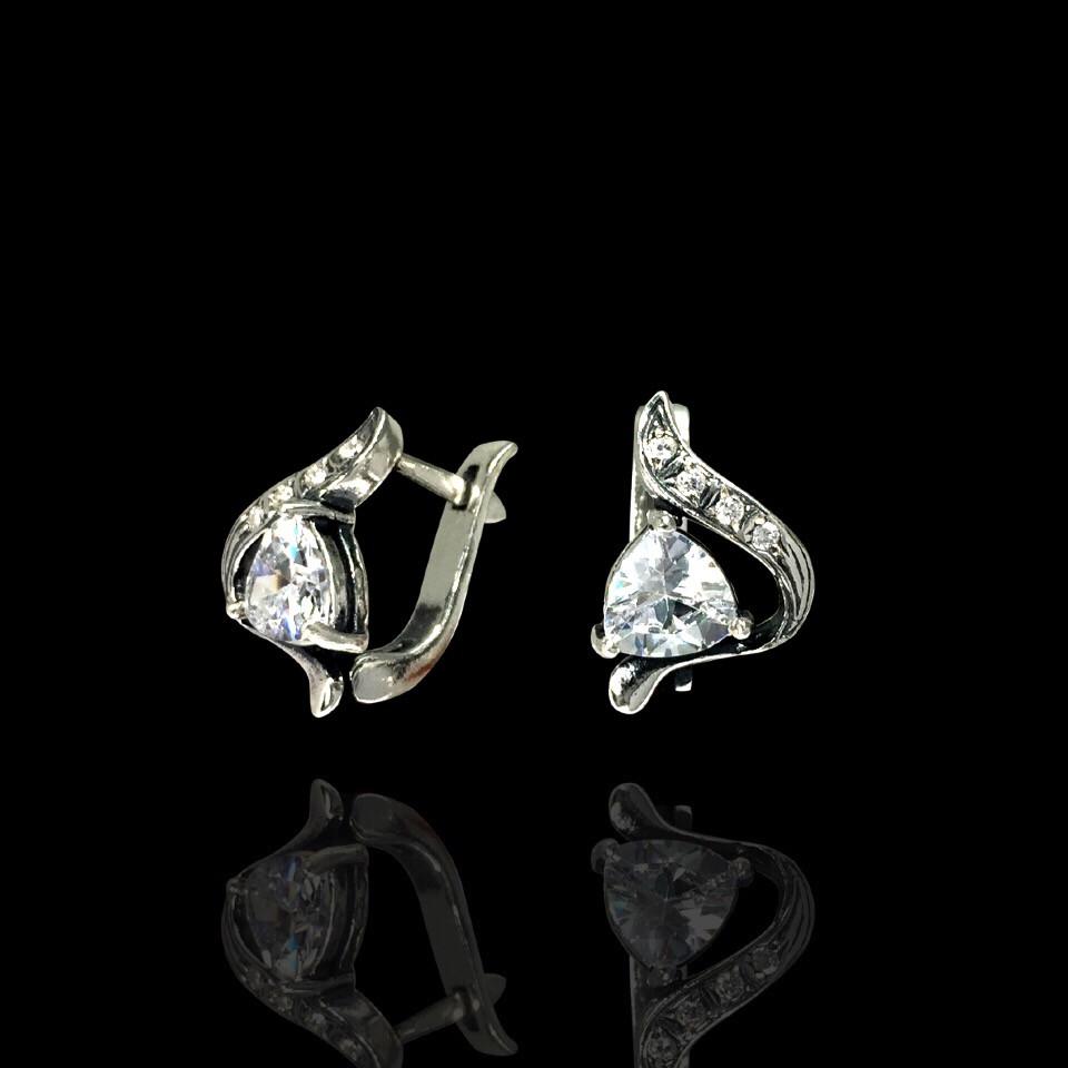 Серебряные серьги с прозрачными фианитами, 10 камней