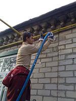 Запенить стены дома пеноизолом