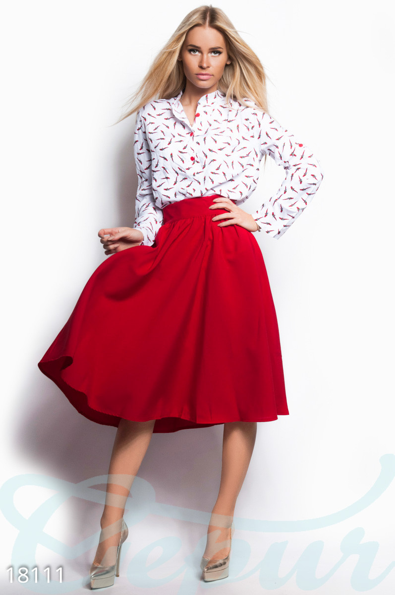 Классическая юбка клеш с высокой посадкой красная