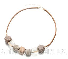 Красивое женское колье ожерелье из крупных геометрических бусин, женские бежевые бусы