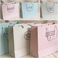 Эко-пакет для подарков, бумага, ручки, в расцветках, 30х27х12 см., 40 грн.