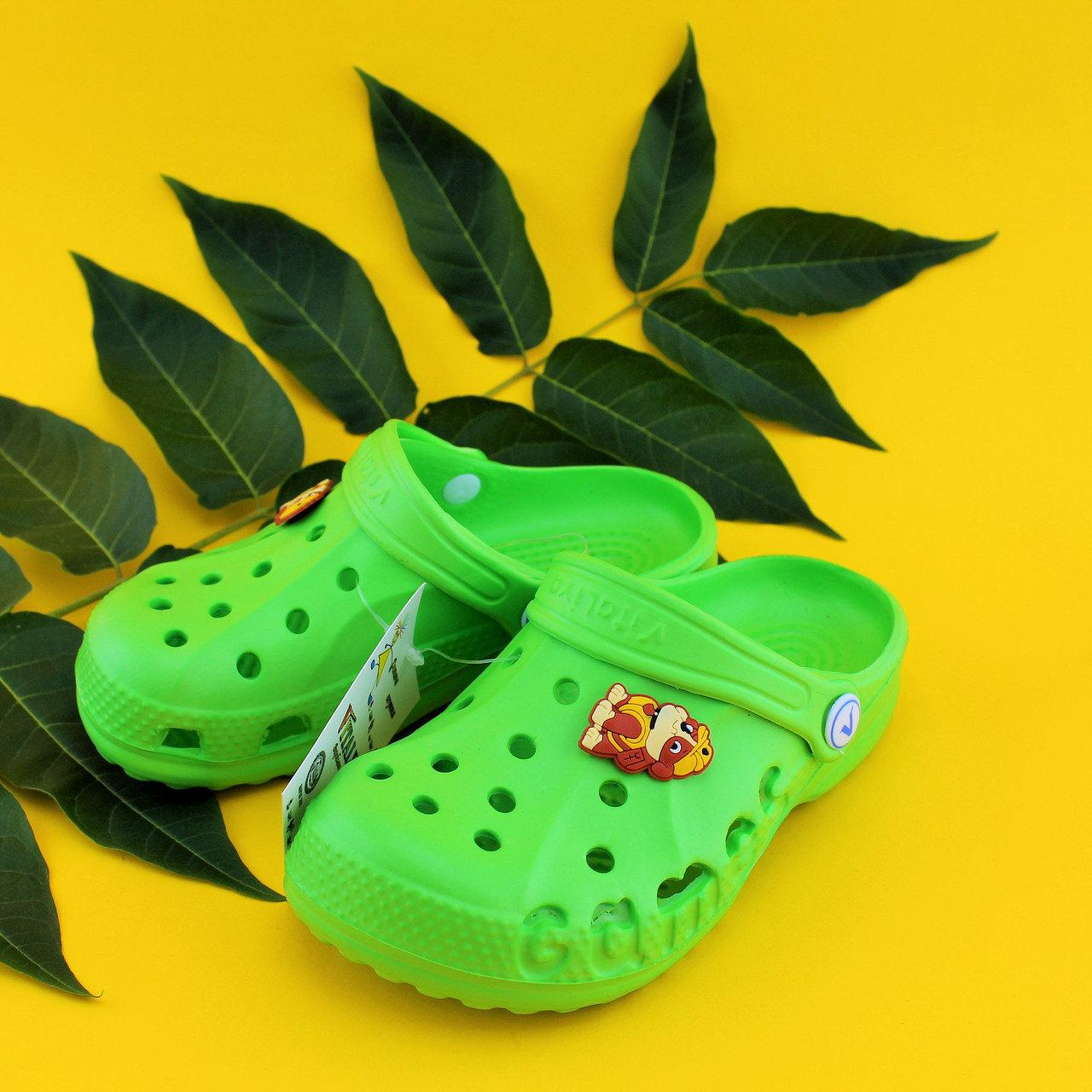 Зеленые кроксы оптом с мультгероями для детей Crocs тм Vitaliya Украина р.22-35
