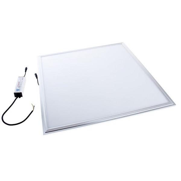 На фото изображена встроенная светодиодная ЛЕД LED панель 600х600 мм с выносным драйвером и соединением через провод питания