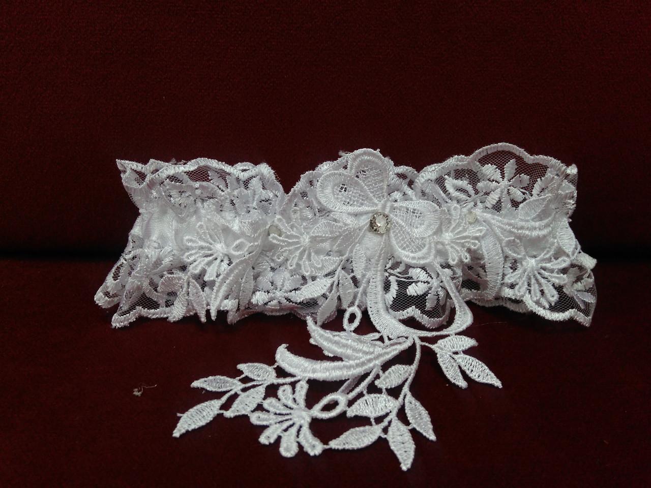 Свадебная подвязка для невесты белая с кружевом